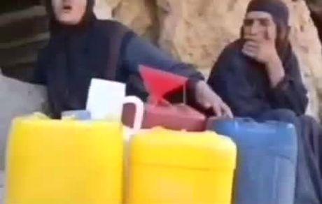 مردم با الاغ و قاطر آب مصرفی خود را تهیه میکنند!