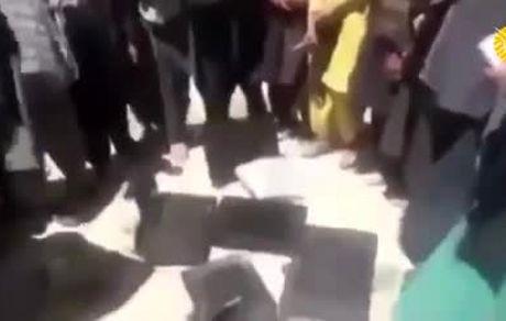شکستن تلویزیونها در روستاهای افغانستان به دستور طالبان!