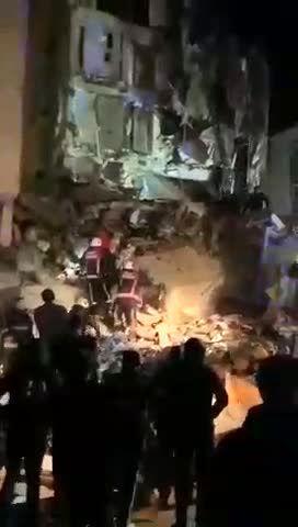 زلزله حداقل 500 خانه را خراب کرد!