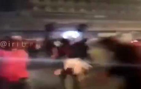 تیراندازی افراد نقابدار به سمت تظاهرکنندگان