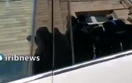 لحظه خروج ظریف از وزارت خارجه پس از ۸ سال