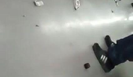 دستگیرههای مترو را بخاطر کرونا کندند!